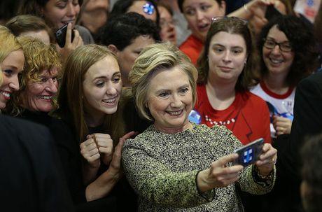 Ba Hillary Clinton nhan duoc su ung ho ap dao tu truyen thong - Anh 3