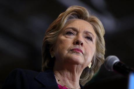 Ba Hillary Clinton nhan duoc su ung ho ap dao tu truyen thong - Anh 4