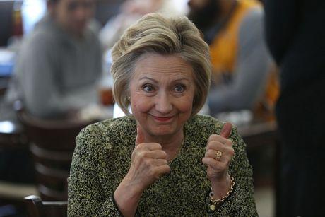 Ba Hillary Clinton nhan duoc su ung ho ap dao tu truyen thong - Anh 6