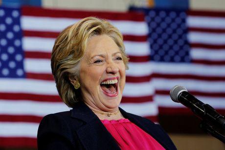 Ba Hillary Clinton nhan duoc su ung ho ap dao tu truyen thong - Anh 7