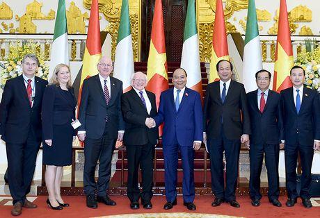 Thu tuong Nguyen Xuan Phuc hoi kien Tong thong Ireland - Anh 2