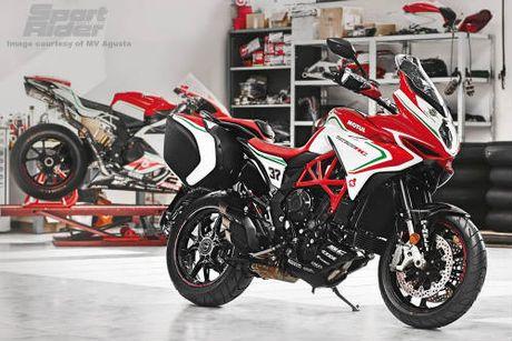 2017 MV Agusta Turismo Veloce RC 'thach dau' Ducati - Anh 6