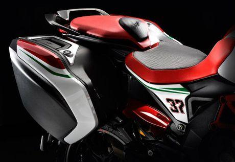 2017 MV Agusta Turismo Veloce RC 'thach dau' Ducati - Anh 7