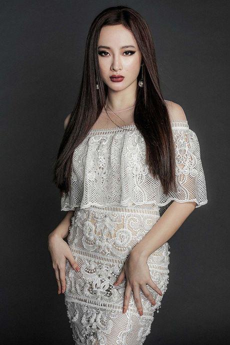 Angela Phuong Trinh khoe body nuot na voi dam ren mong manh - Anh 3
