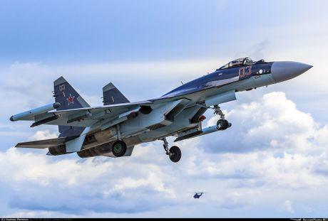 Sergey Bogdan dao tao phi cong Trung Quoc lai Su-35? - Anh 10