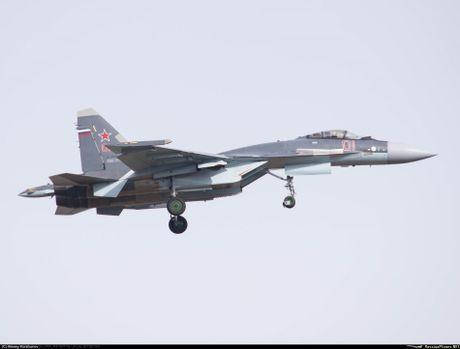Sergey Bogdan dao tao phi cong Trung Quoc lai Su-35? - Anh 4