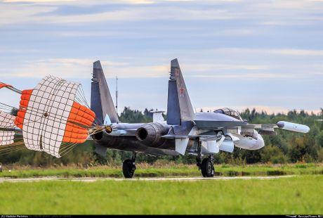 Sergey Bogdan dao tao phi cong Trung Quoc lai Su-35? - Anh 5