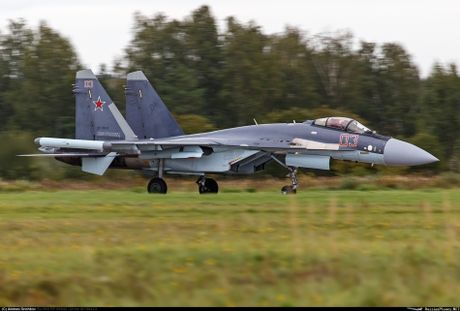 Sergey Bogdan dao tao phi cong Trung Quoc lai Su-35? - Anh 6