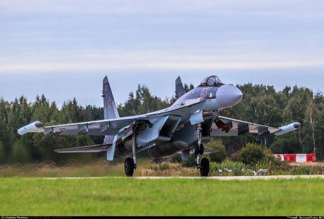 Sergey Bogdan dao tao phi cong Trung Quoc lai Su-35? - Anh 8