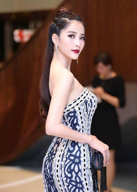 Ngam kieu toc dep nhat cua Hoa hau Anh Trai dat Nam Em - Anh 10