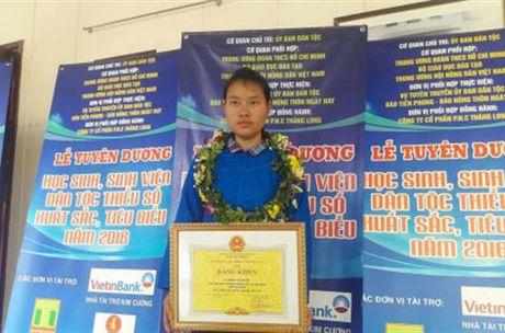 Bo GD&DT de nghi Truong DH Luat Ha Noi xem xet tiep nhan thi sinh Dang Thi Huyen - Anh 1