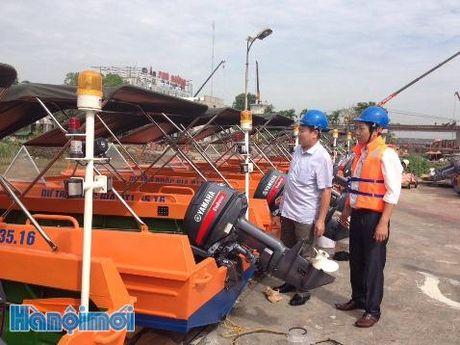 TIN NONG ngay 8/11: Phat hien 500 qua phao hinh luu dan tren mot chiec xe tai - Anh 5