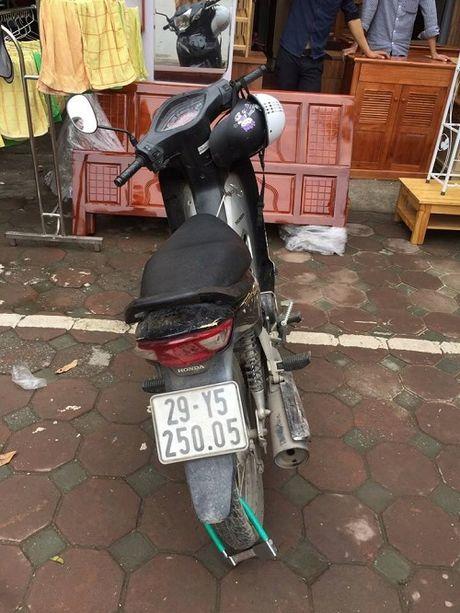 CSGT bat nong doi tuong trom cap xe may - Anh 1