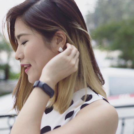 MC Mai Trang ca tinh hon voi toc ngan - Anh 9
