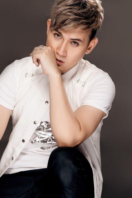 Nguyen Vu lang tu voi toc hong la lam - Anh 5