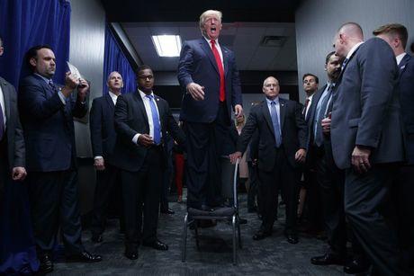 Trump noi gi ve viec ong se thua trong cuoc bau cu hom nay? - Anh 1