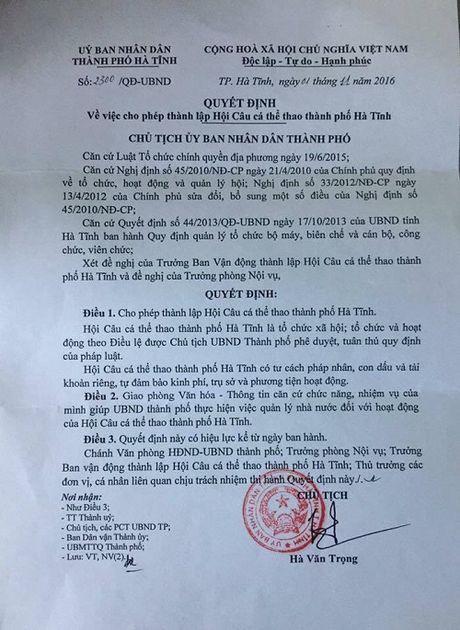 TP Ha Tinh nuoc ngap sau, Chu tich thanh lap hoi Cau... giai tri - Anh 10
