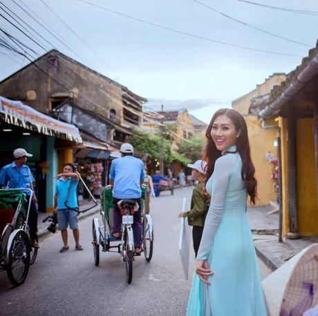 Dieu Ngoc tu tin noi tieng Anh gioi thieu Viet Nam toi Miss World 2016 - Anh 1