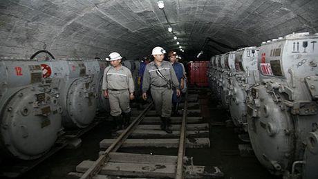 Quang Ninh: Mot cong nhan tu vong trong ham lo do ngat khi - Anh 1