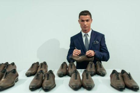 "Nhung ""nghe"" moi cuc hot cua Ronaldo, chan sut ty do - Anh 3"