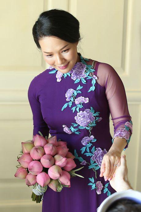 Doc dao le Hang Thuan o chua Vinh Nghiem cua cap doi Phap – Viet - Anh 2