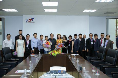 Doanh nhan Thao Tay truyen cam hung tai le phat dong Hult Prize - Anh 7