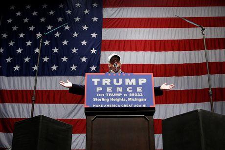 Ong Trump va ba Clinton chay dua van dong nuoc rut bau cu Tong thong - Anh 4