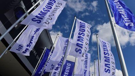 Samsung bi dieu tra tham nhung trong be boi chinh tri Han Quoc - Anh 1