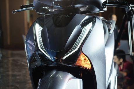 Honda SH moi nang ngoai hinh, them ABS, gia tu 76 trieu - Anh 5
