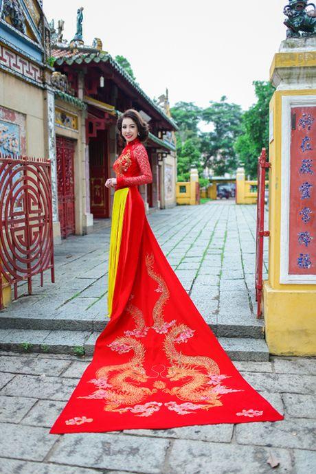 Miss Ngoc Tran khoe sac rang ngoi voi thiet ke cua Minh Hung - Anh 3