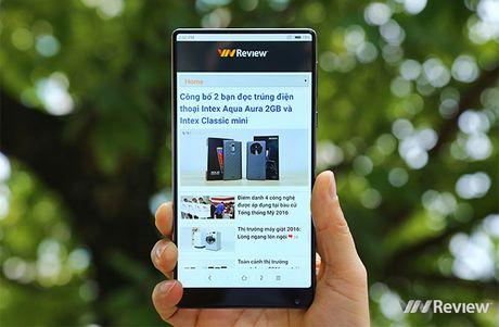 "5 bat ngo sau vai gio trai nghiem smartphone ""khong vien"" Xiaomi Mi Mix - Anh 2"