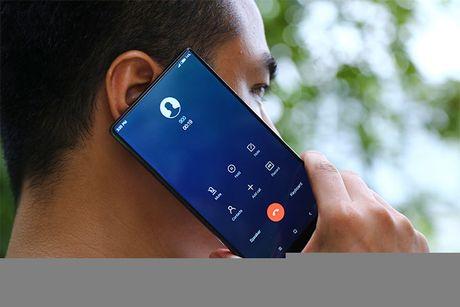 "5 bat ngo sau vai gio trai nghiem smartphone ""khong vien"" Xiaomi Mi Mix - Anh 6"