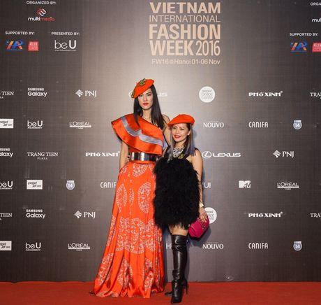 3 xu huong thoi trang 'len ngoi' tai VIFW 2016 - Anh 5