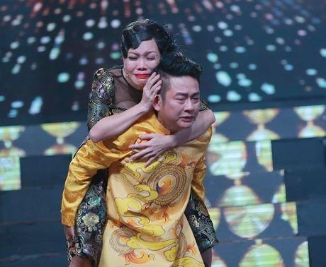 Viet Huong va cau chuyen bat khoc tren san khau khong he co kich ban - Anh 8