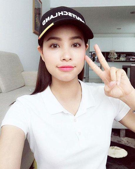 Hanh dong nay cua 'Hoa hau hoan vu' Pham Huong khien nhieu nguoi yeu men - Anh 5