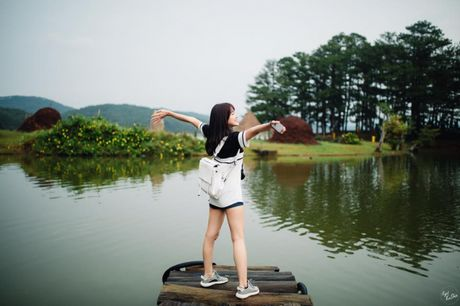 An tuong voi phong cach thoi trang tre trung cua nu game thu xinh dep nhat Viet Nam - Anh 1