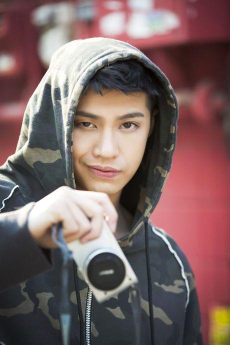 Noo Phuoc Thinh cu dien trai the nay thi fan do xo di mua single moi la phai! - Anh 11