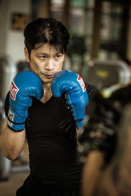 Dustin Nguyen tap luyen cung trai dep Thien Nguyen de lam phim kinh phi gan 700 ty - Anh 1