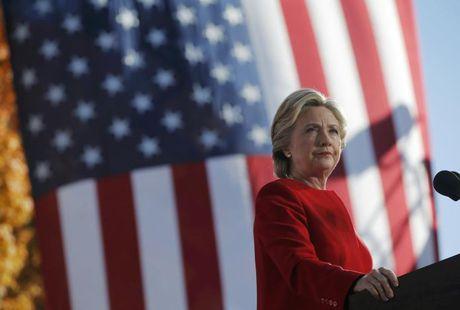 Khao sat gio chot cua Reuters: Ba Clinton co 90% co hoi chien thang - Anh 1
