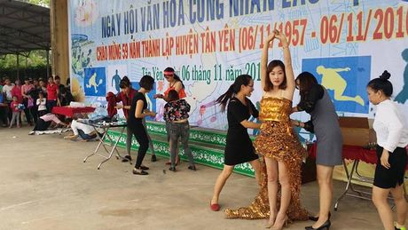 Tung bung Ngay hoi Van hoa CNLD huyen Tan Yen (Bac Giang) - Anh 5