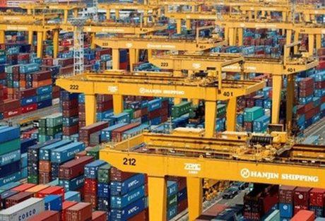 Dai gia tau bien Han Quoc pha san de lai hon 4.000 container tai cang Viet Nam - Anh 1