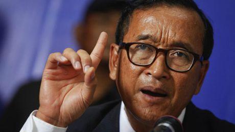 Sam Rainsy bi phat vi to luot 'like' tren Facebook Thu tuong Campuchia la gia - Anh 1