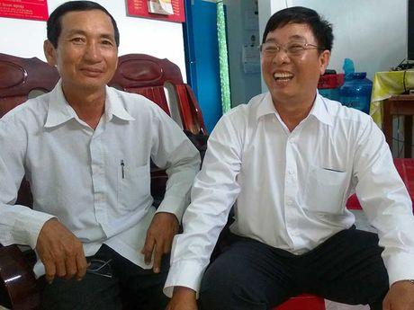 Nguoi bi oan kien doi chu tich tinh phuc hoi cong chuc - Anh 1