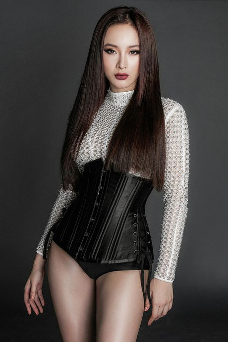Angela Phuong Trinh lanh lung voi thoi trang ca tinh - Anh 7