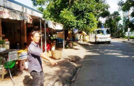 Nhan chung quyet duoi cuop o Sai Gon du bi dam trong thuong - Anh 1