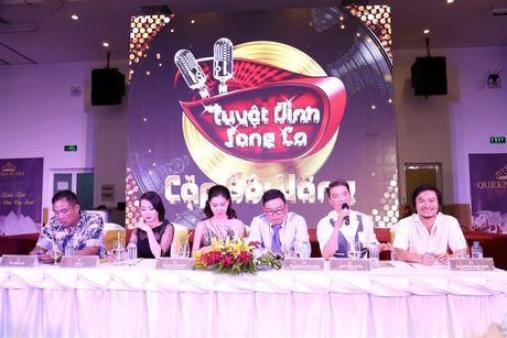 Dam Vinh Hung phong Cam Ly la 'nghe si nhan dan' - Anh 1