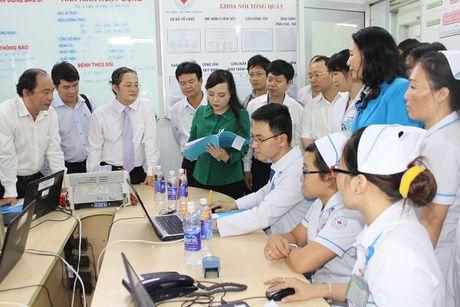 Bo truong Nguyen Thi Kim Tien tham va lam viec tai mot so co so Y te khu vuc TP. Ho Chi Minh - Anh 6