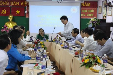Bo truong Nguyen Thi Kim Tien tham va lam viec tai mot so co so Y te khu vuc TP. Ho Chi Minh - Anh 7