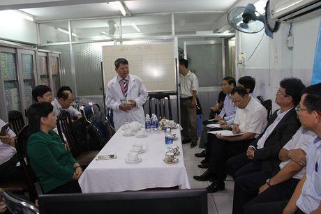 Bo truong Nguyen Thi Kim Tien tham va lam viec tai mot so co so Y te khu vuc TP. Ho Chi Minh - Anh 8