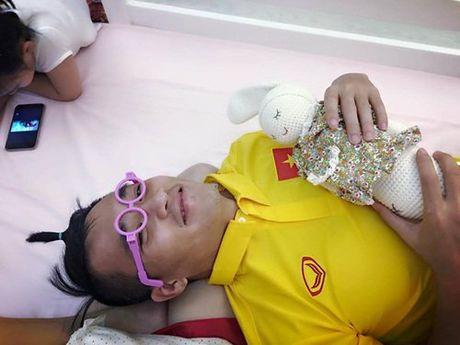Mr Dam lo da mat xau te, Cong Vinh gia lam me cham bup be - Anh 2